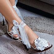 Обувь с бантами на ножках Кристины Асмус