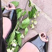 Лаковые туфли с открытыми пальчиками