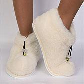 Теплые меховые тапочки на босых ножках
