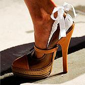 Туфли-лодочки с бантиками на пяточках