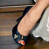 Ножки Кристины Асмус в черных босонжках